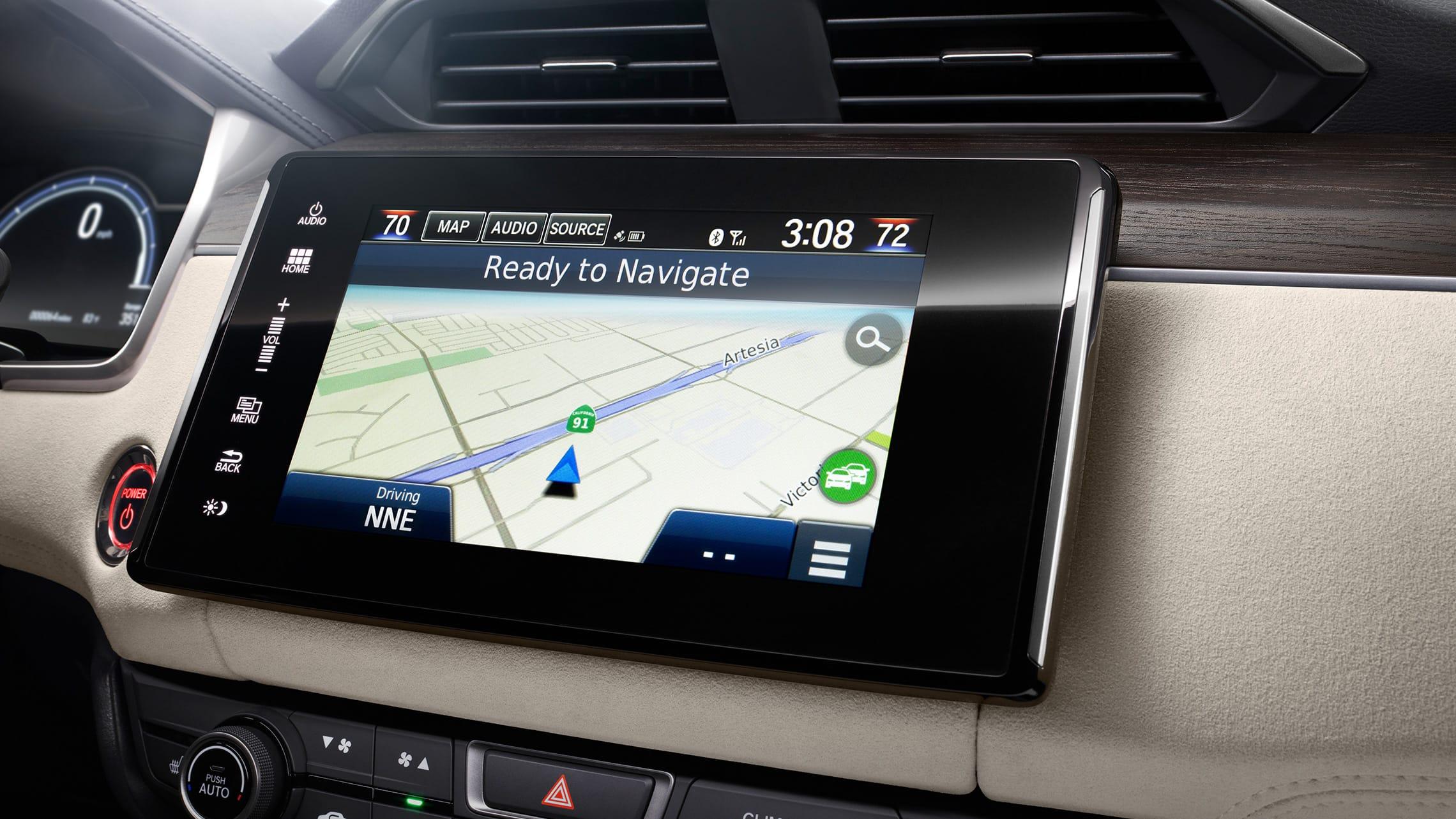 Detalle del mapa de navegación en el sistema de audio en pantalla táctil de 8pulgadas.