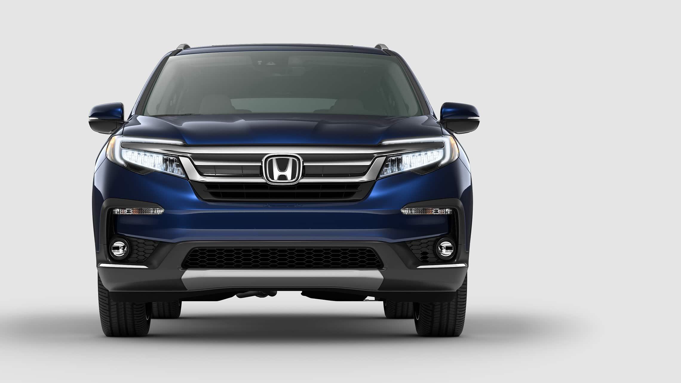 Vista frontal recta de la Honda Pilot Elite2021 en Obsidian Blue Pearl.